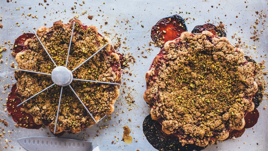 Strawberry Pistachio Crumble Pie